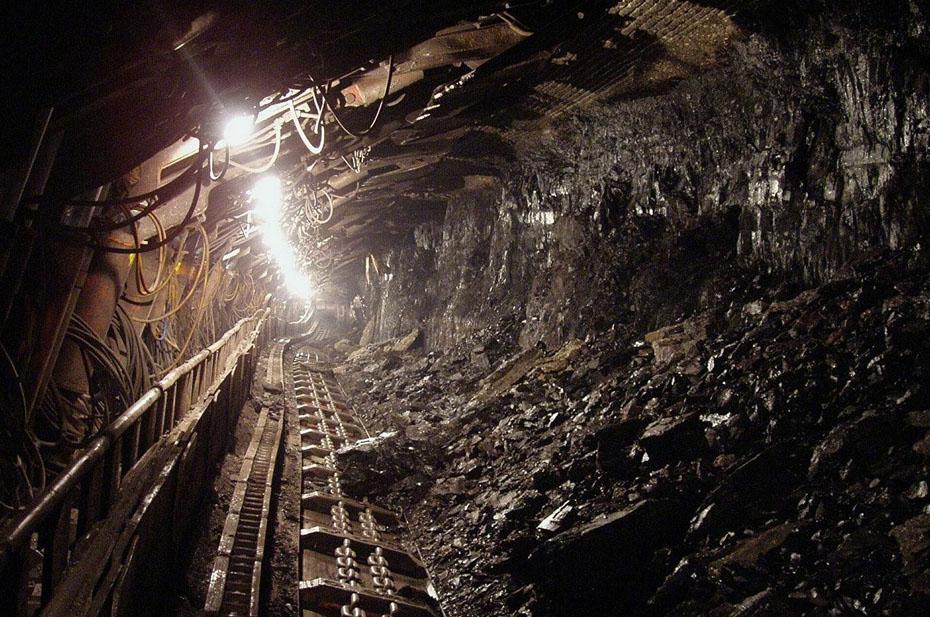 В Луганске из-за обрыва троса погибли девять шахтеров