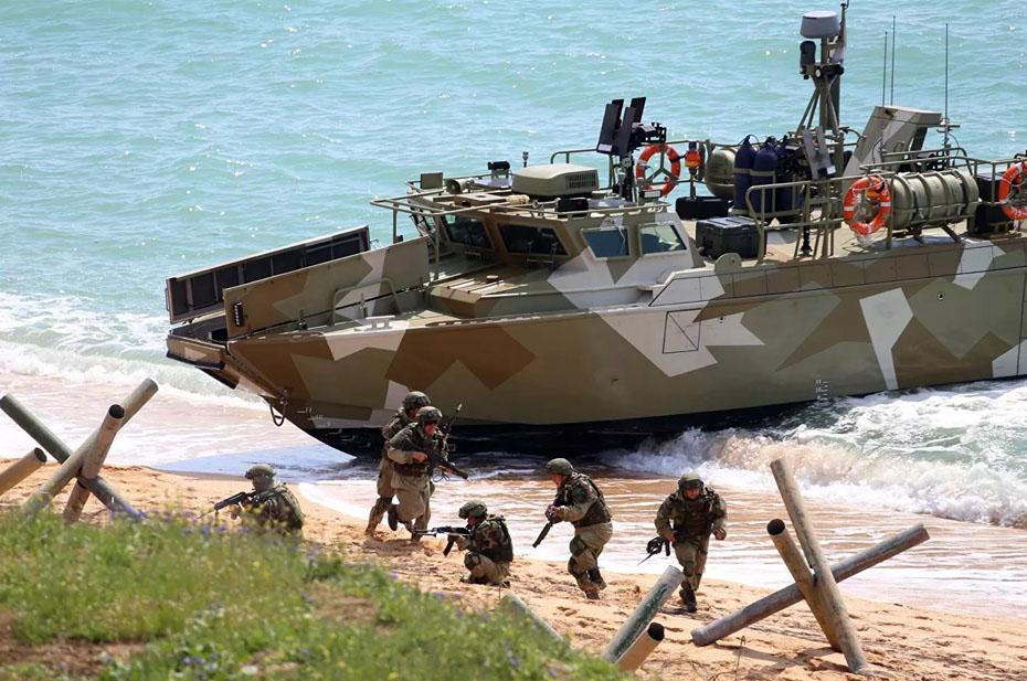 Министерство обороны объявило учения в Крыму