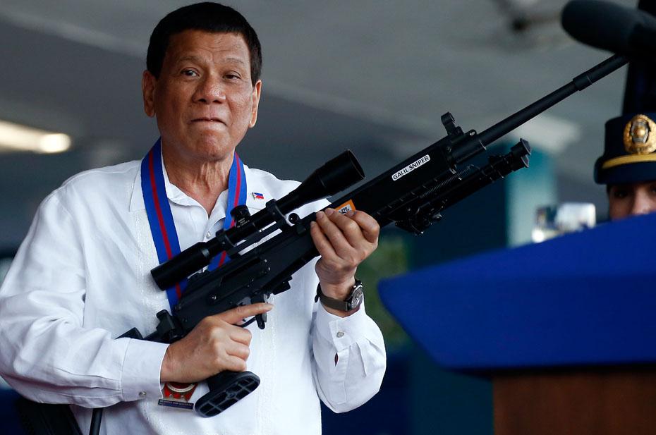 Президент Филиппин нашел способ борьбы с антипрививочниками – делать им укол во сне