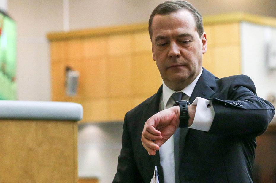 Подкидные письма в коммерческой газете. Медведев о Зеленском: почему переговоров не будет