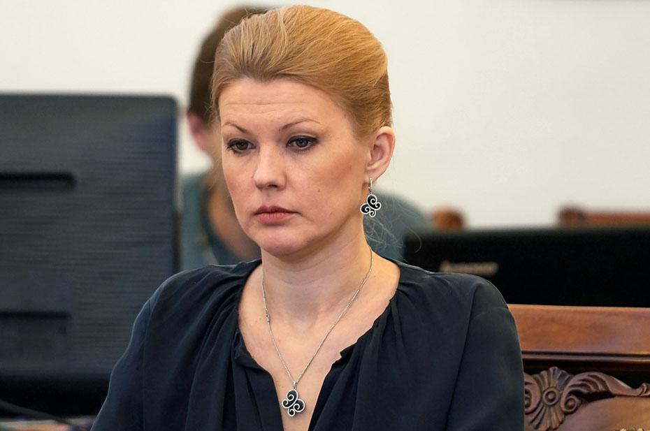 Вице-президент Сбербанка и экс-замминистра просвещения Ракова объявлена в розыск